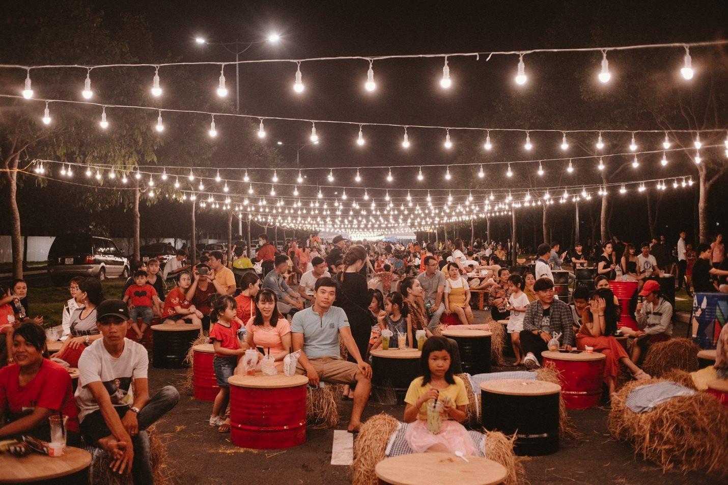 Trên 30 nghìn lượt khách hàng đã đi vào với khu đa chức năng Chợ đêm Swanbay